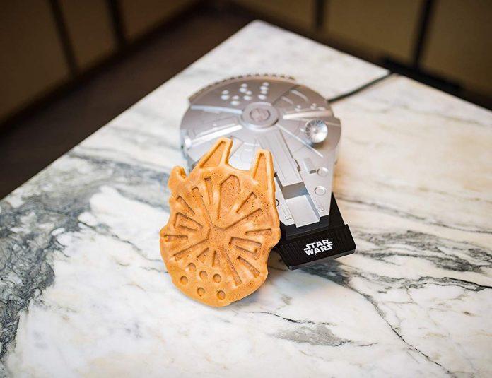 Deluxe Millennium Falcon Waffle Maker