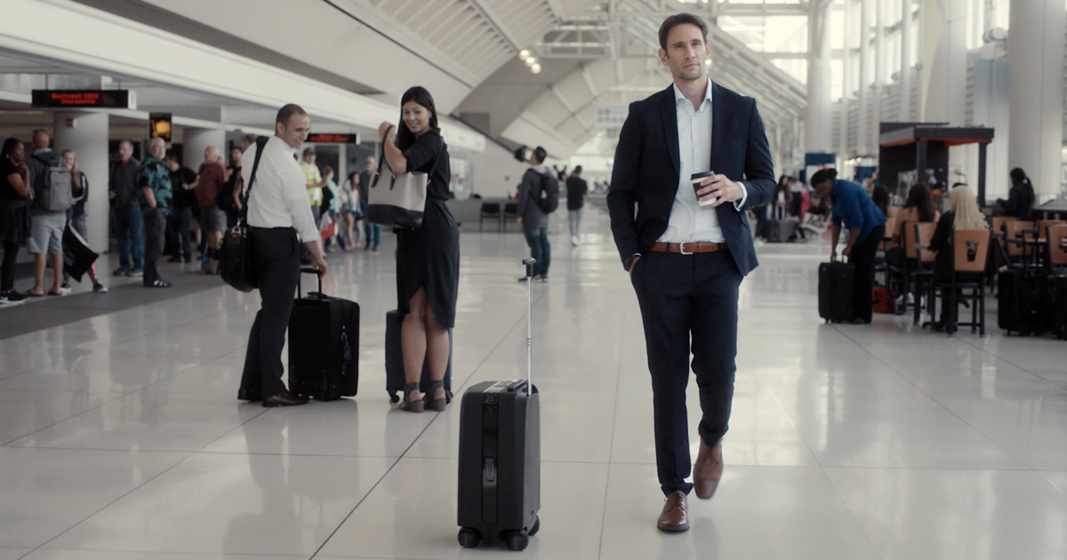 Ovis AI-Powered Suitcase